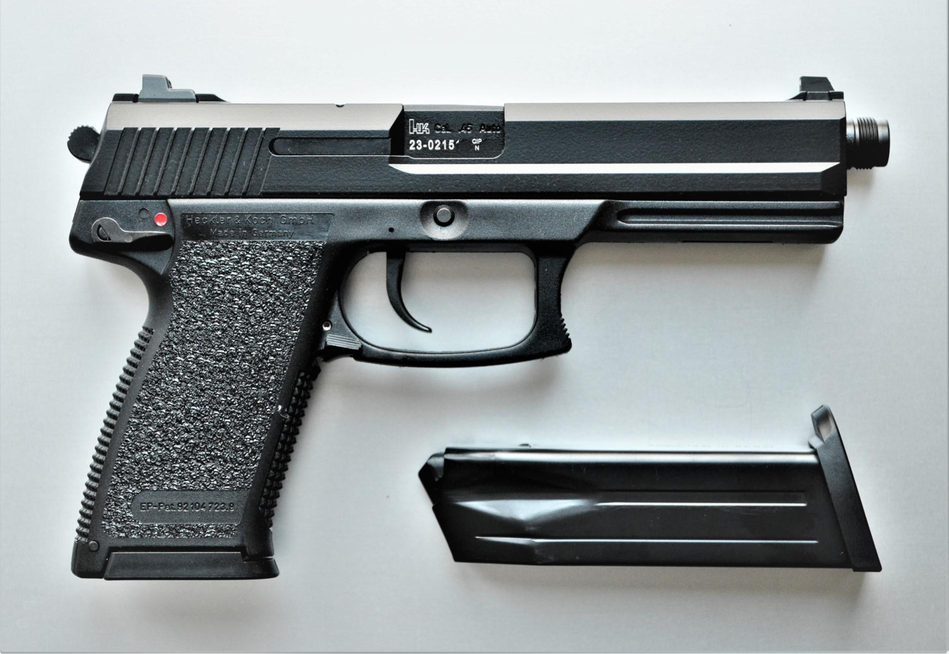 HK Mark 23 Mod 0 SOCOM .45 Auto - halbautomatische Pistole rechts
