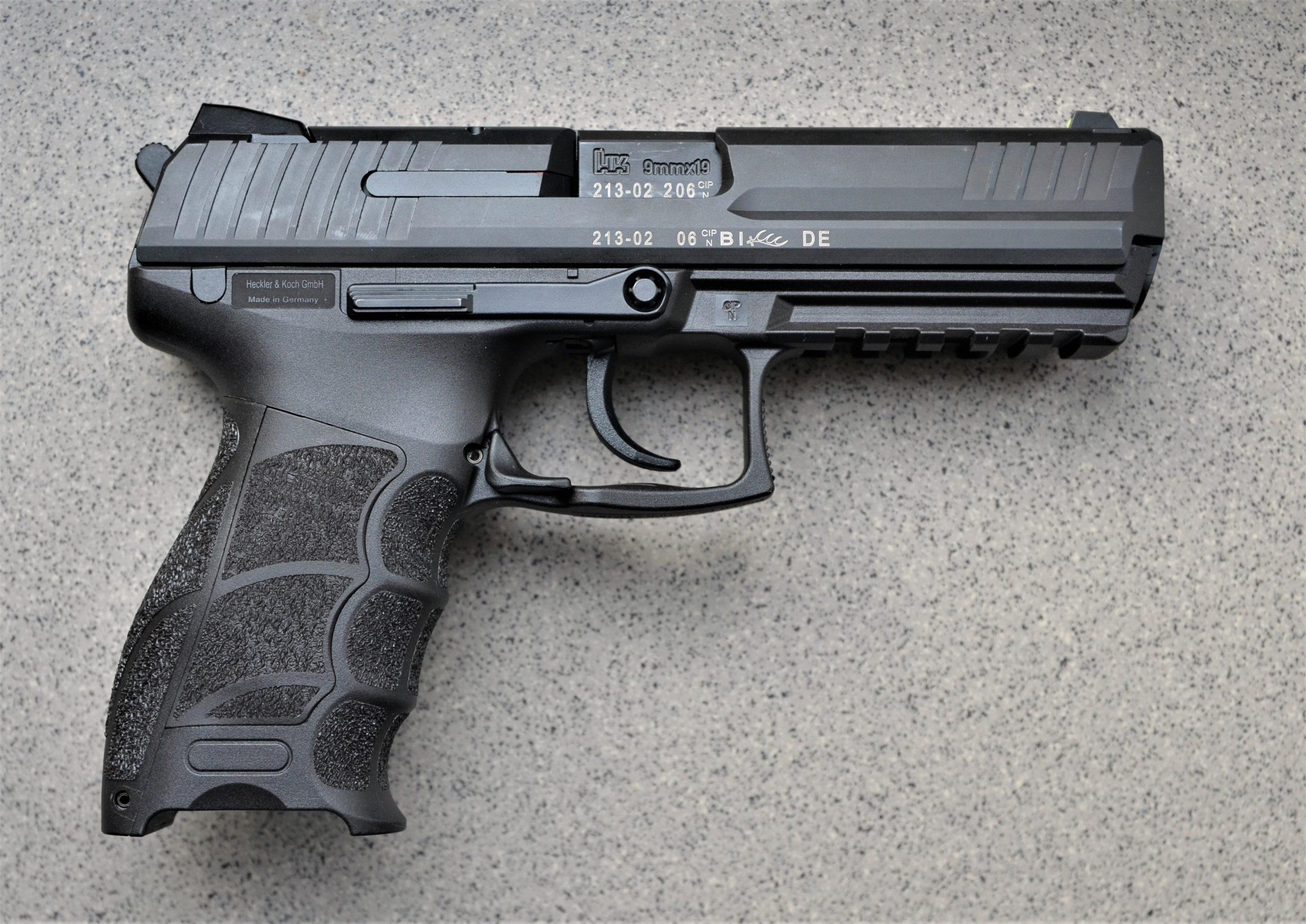HK-P30L-V3-DA-SA-9X19-halbautomatische-Pistole-rechts