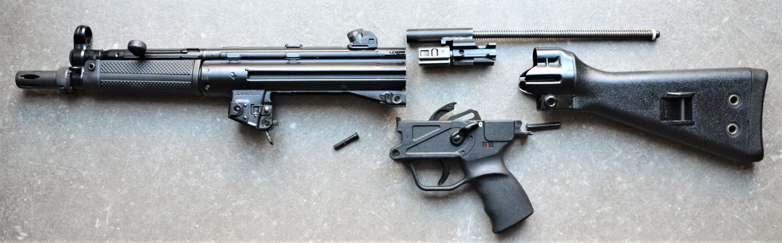 MKE T-94A2 - 9X19 - halbautomatische Büchse zerlegt